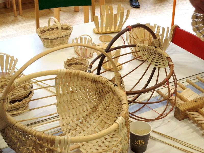 Prikaz pletenja košar